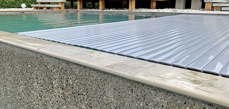 Couverture automatique T&A piscine à débordement