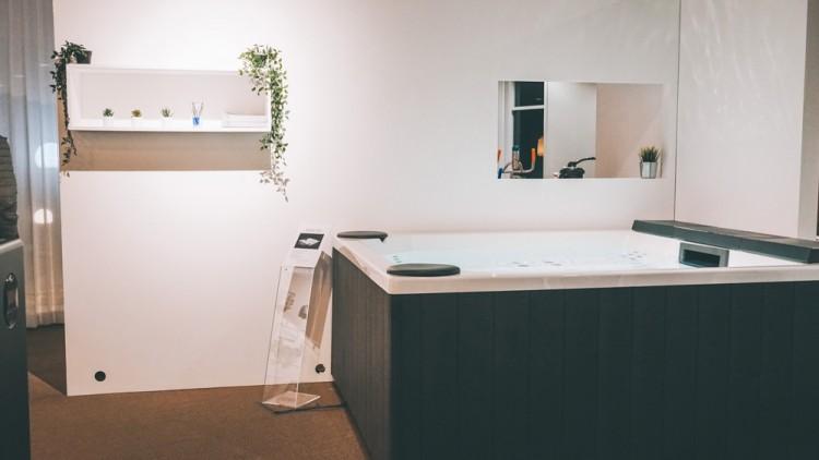 Spa nouveau showroom distributeur matériel piscine AllForPools