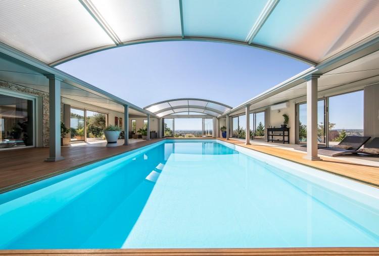 Concept Alu EUSA Award 2020 Bronze piscine privée avec Abri
