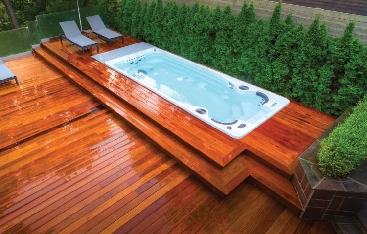 spa nage acrylique Clair Azur integre terrasse bois