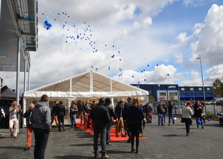 inauguration usine aboral lacher ballons