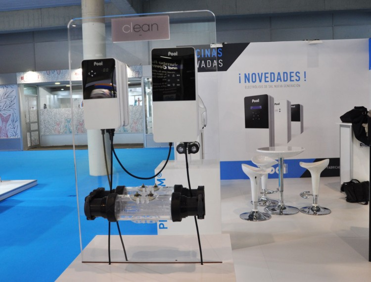 New generation of Natural Pool® electrolysers stand Pool Technologie Piscina & Wellness 2019