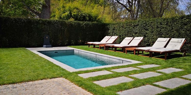 piscine coque beton monobloc fond mobile caredo