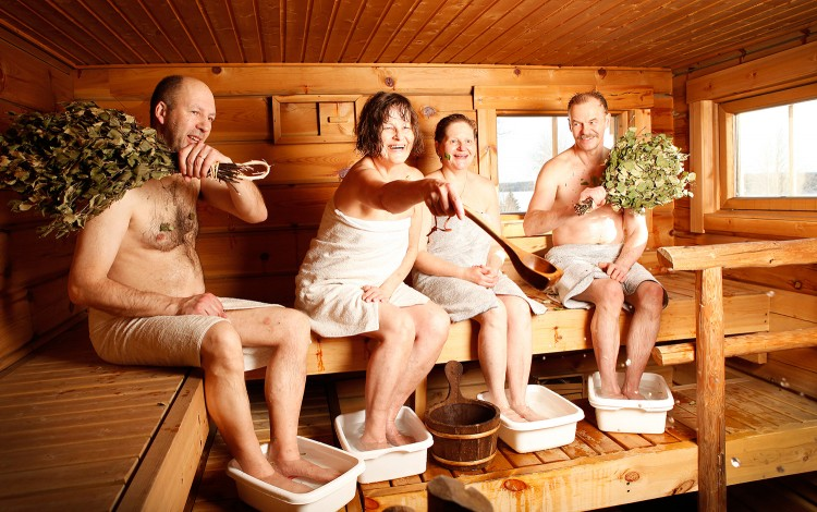 Collective sauna session
