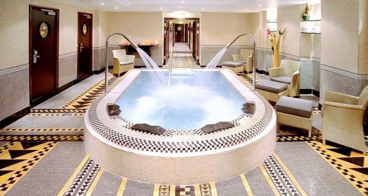 Hydrospa Clair Azur bassin hydrothérapie hotel luxe Hilton