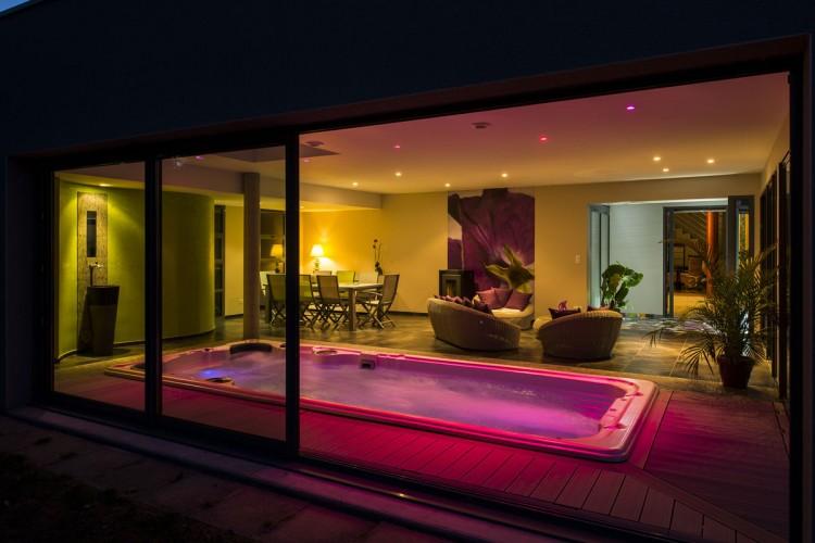 spa nage acryique Clair Azur intégration intérieur salon