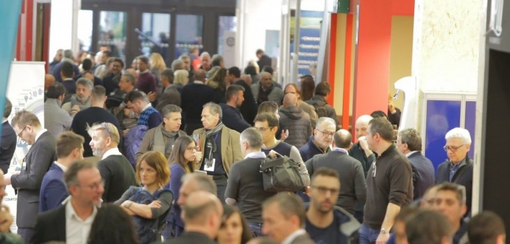 crowd at forumpiscine 2019 bologna italy