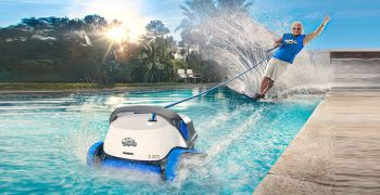 robot,piscine,dolphin,maytronics,campagne,philippe,lucas