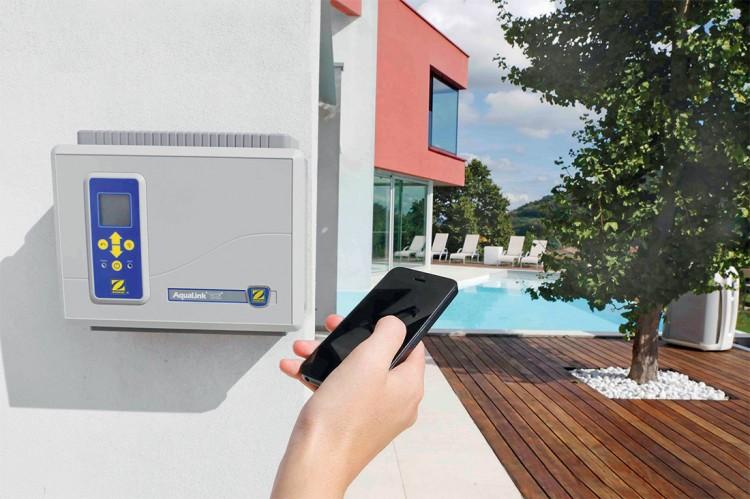 AquaLink de Zodiac connexion équipements piscine et controle