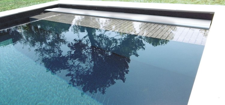 Couverture automatique piscine Mayotte de Sofatec caillebotis immerges