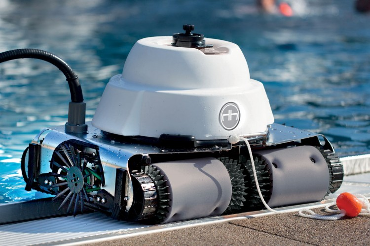 pool robot cleaner Chrono of Hexagone