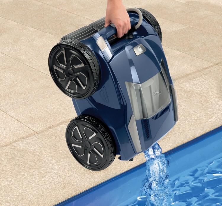 sortie d'eau facile lift system robot piscine alpha iq de zodiac