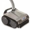 SCP Distribuisce il robot pulitore di piscine ad aspirazione