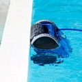 The Formula 1 among swimmingpool robotic cleaners!