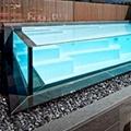 Tuffatevi in una piscina trasparente!