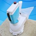 Battery operated pool cleaner for daily cleaning