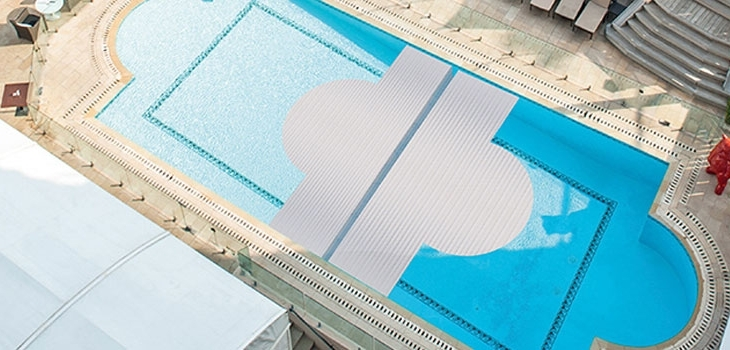 couverture,automatique,piscine,securite,innovation,volet,immerge,systeme,verrouillage,aqua,cover