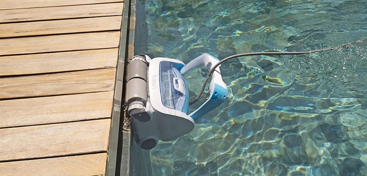 robots,cleaners,cleaning,swimming,pools,electrics,bwt,procopi,aquatron,keepintouch