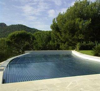 Oase volet de piscine avec lames solaires en polycarbonates