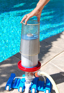 Nouvelle version de l aspirateur manuel de piscine cyclone for Aspirateur piscine autonome