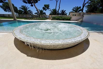 le premier magazine europ en des professionnels de la piscine et du spa. Black Bedroom Furniture Sets. Home Design Ideas