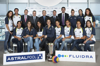 European water polo champions surrounded by FLUIDRAs managers