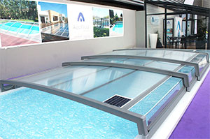 Le tout nouvel abri piscine t lescopique d 39 azenco for Abri piscine telescopique sans rail