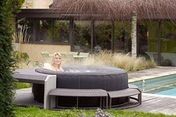 spas acryliques et spas gonflables. Black Bedroom Furniture Sets. Home Design Ideas
