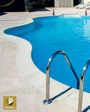 Bordes para piscinas fabistone for Bordes decorativos para piscinas