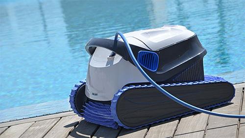 La gamme de robots lectriques dolphin pour les piscines for Robot piscine dolphin piece detachee