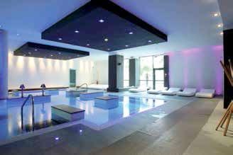 Pool 39 s plus d un demi si cle d innovation pour les for Piscine miroir proteus