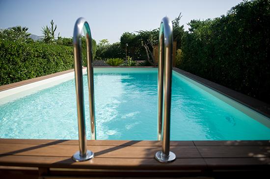 Piscine hors sol autoportante multifonction for Que mettre sous une piscine hors sol
