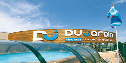 Nouveau showroom dujardin piscines for Piscine caissargues