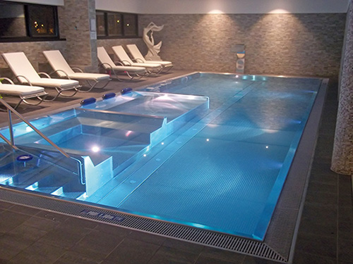 Sp cialiste des bassins en inox for Construction piscine inox