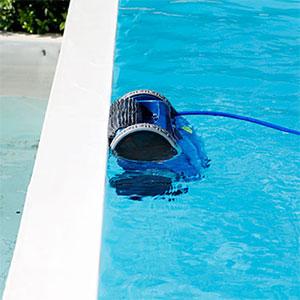 The Formula 1 among swimmingpool robotic cleaners ...