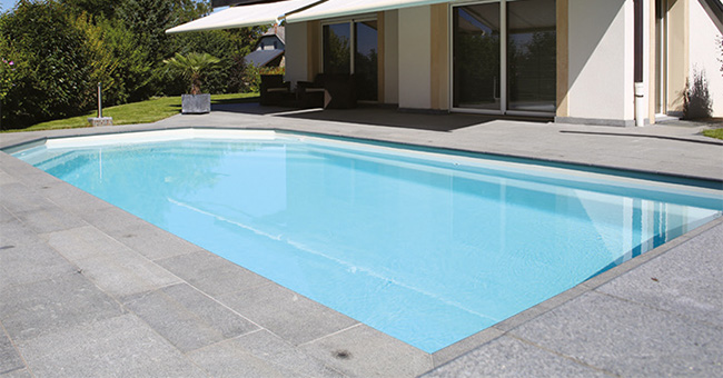 Alliance piscines une impressionnante mont e en for Piscine alliance