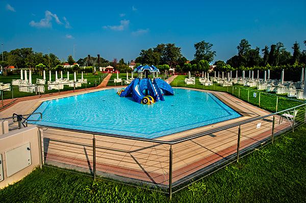 Piscine castiglione realizza le piscine per il seven for Centro sportivo le piscine