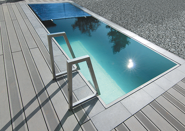 Piscines en inox et coques composites for Construction piscine inox