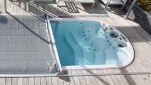 spaflex la couverture automatique pour spas. Black Bedroom Furniture Sets. Home Design Ideas