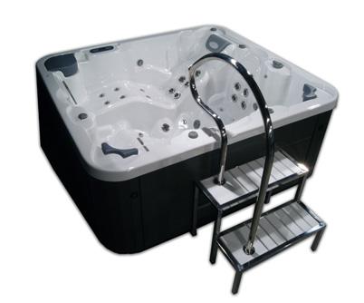 aquavia spa lance le nouveau mod le easy access. Black Bedroom Furniture Sets. Home Design Ideas