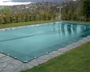 Le coperture invernali per piscina for Teli per piscine