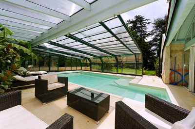 Converting the pool into a real living space - Verriere piscine ...