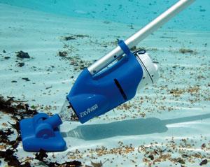 Un aspirateur piles pour piscine et spa for Aspirateur piscine pool blaster catfish avis